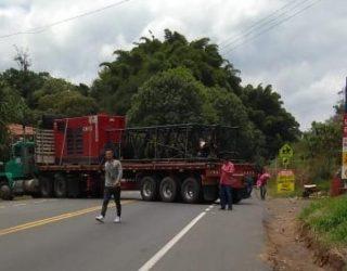 Cinco horas duró el bloqueo en vía Panamericana entre Cali y Popayán