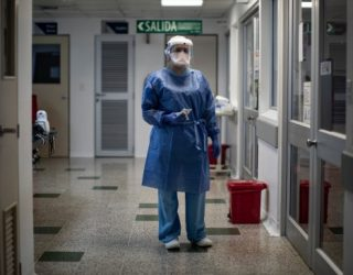 Solo una ARL está entregando kits de protección completos: Procuraduría y Contraloría