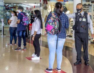 Duque aplaza el tercer día sin IVA en Colombia