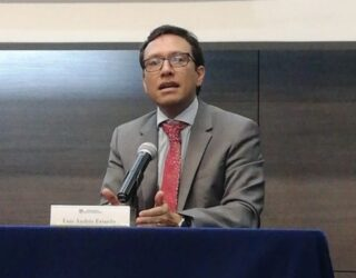 Luis Andrés Fajardo completa terna para Defensor del Pueblo