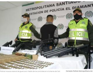 Capturan a hombre que portaba una ametralladora y un lanza granadas en Cali